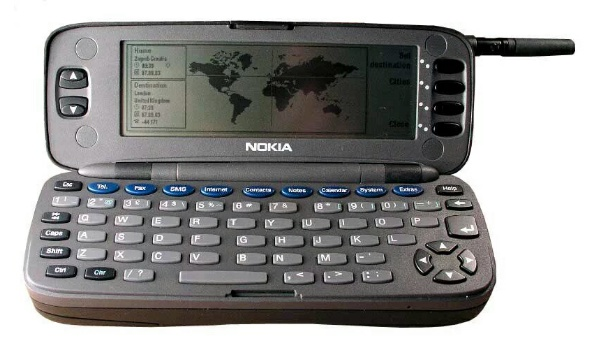 first mobile phone with internet capabilities - nokia 9000 communicator